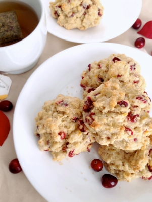 Fresh_Cranberry_Orange_Scones_Somethingsweet2